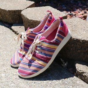 TOMS colorful del rey raspberry tribal sneaker 9